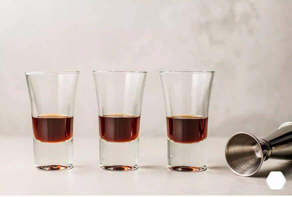 """Коктейль """"б-52"""": приготовление, история, как его пить"""