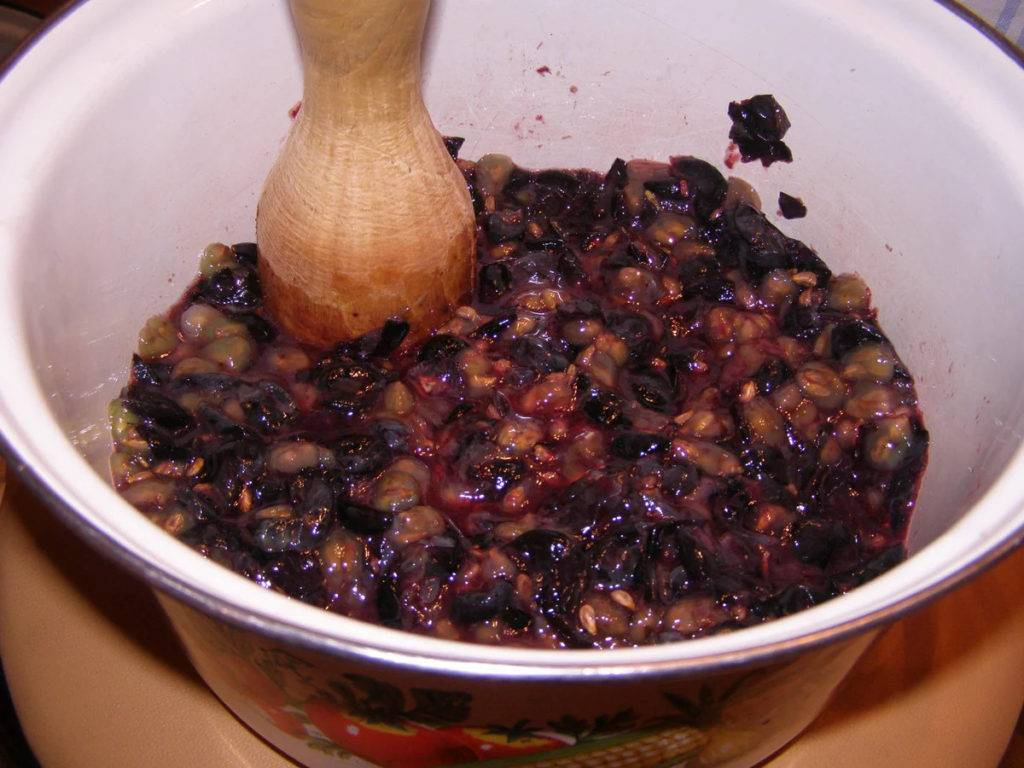 Вино натуральное домашнее – кулинарный рецепт
