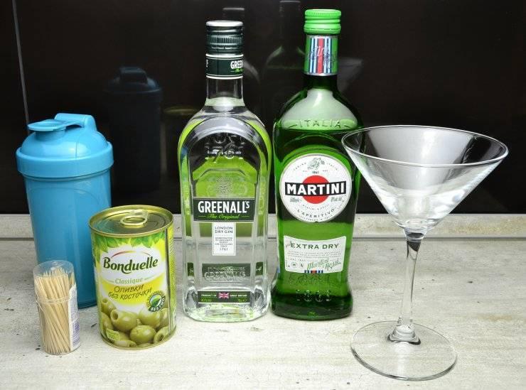 С чем обычно пьют Мартини