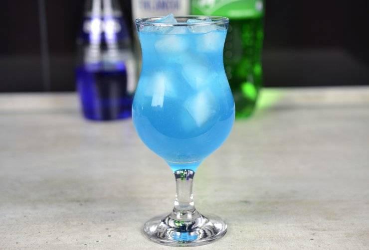 Безалкогольный коктейль голубые гавайи