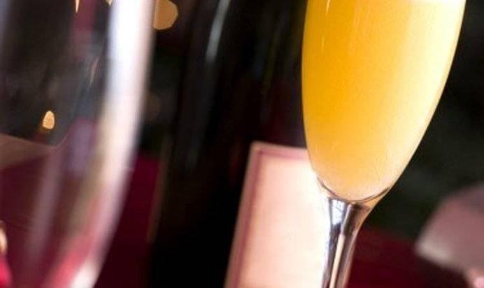 Беллини — готовим шедевральный персиковый коктейль из самой венеции