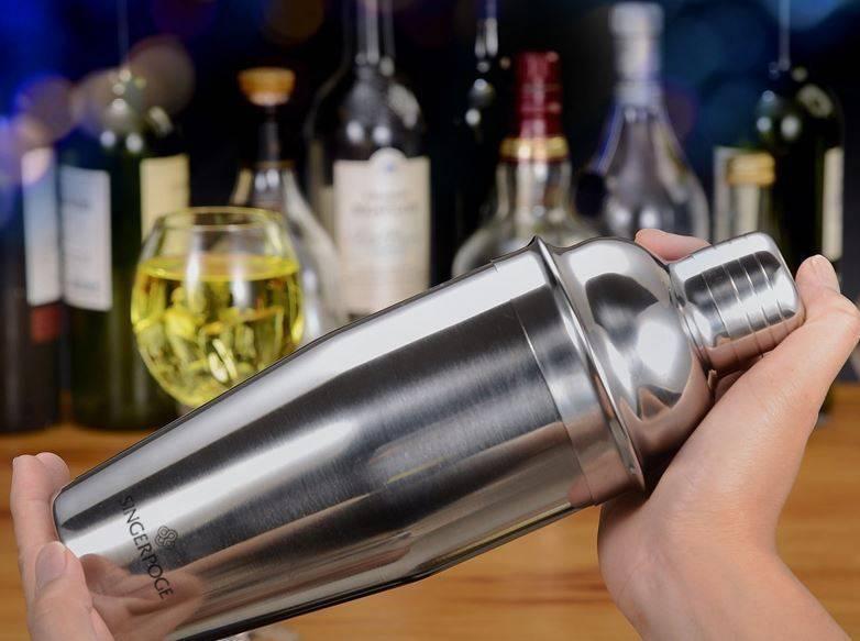 Преимущества и недостатки разных видов шейкеров для коктейлей