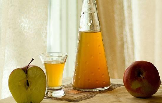 Яблочный ликер домашнего приготовления - 3 опробованных рецепта