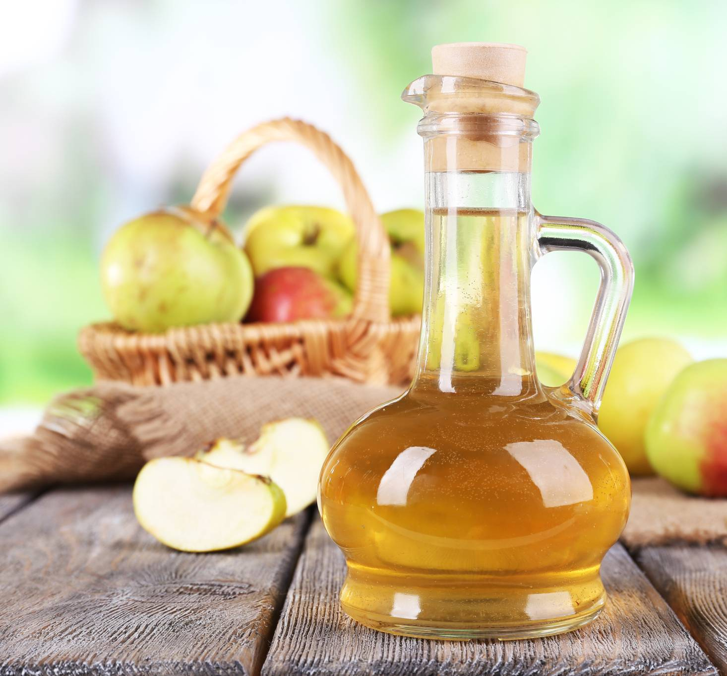 Как приготовить яблочный уксус в домашних условиях: рецепты приготовления на меду и сахаре, как сделать уксус
