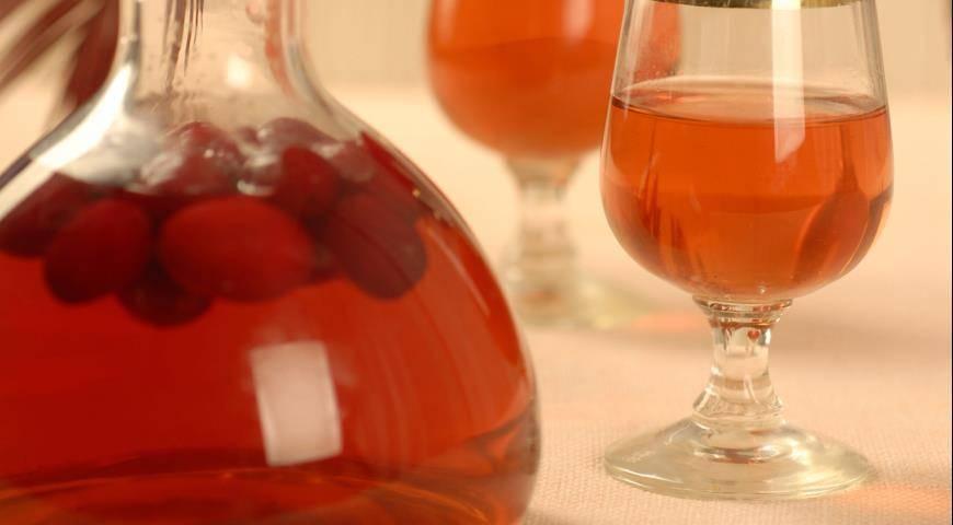Настойка из кизила в домашних условиях: все секреты. домашняя кизиловая настойка на водке, на спирту и без алкоголя