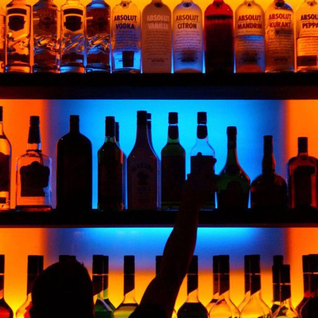 Во сколько лет можно покупать алкоголь в разных странах