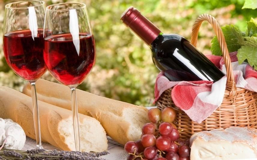 Как красное вино воздействует на давление: повышает или понижает