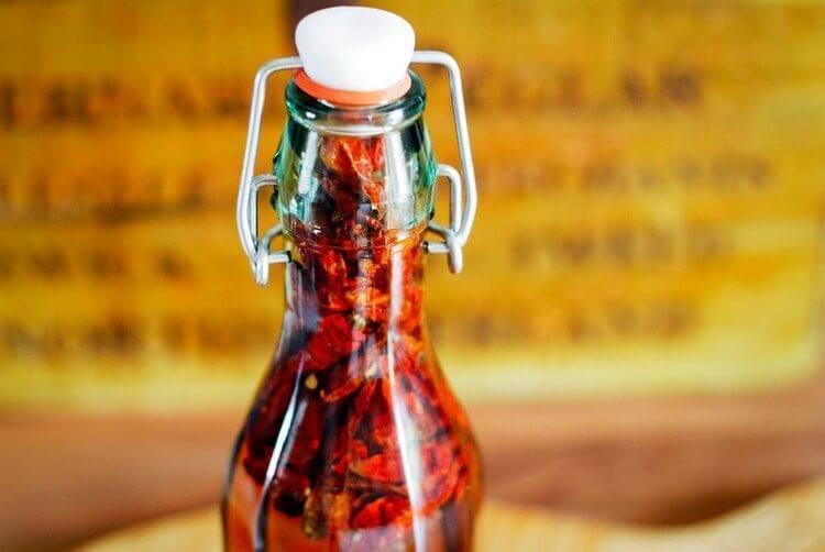 Настойка красного перца – применение и полезные свойства