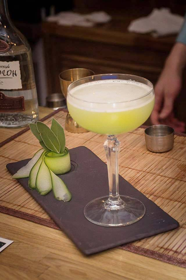 Напитки из самогона: лучшие рецепты в домашних условиях, слабоалкогольные коктейли, женские, вкусные варианты