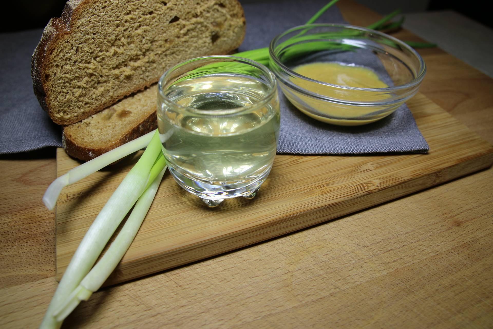 Хреновуха: 11 рецептов в домашних условиях