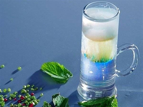 Слоистый коктейль с приятным ароматом. как приготовить медузу в домашних условиях?