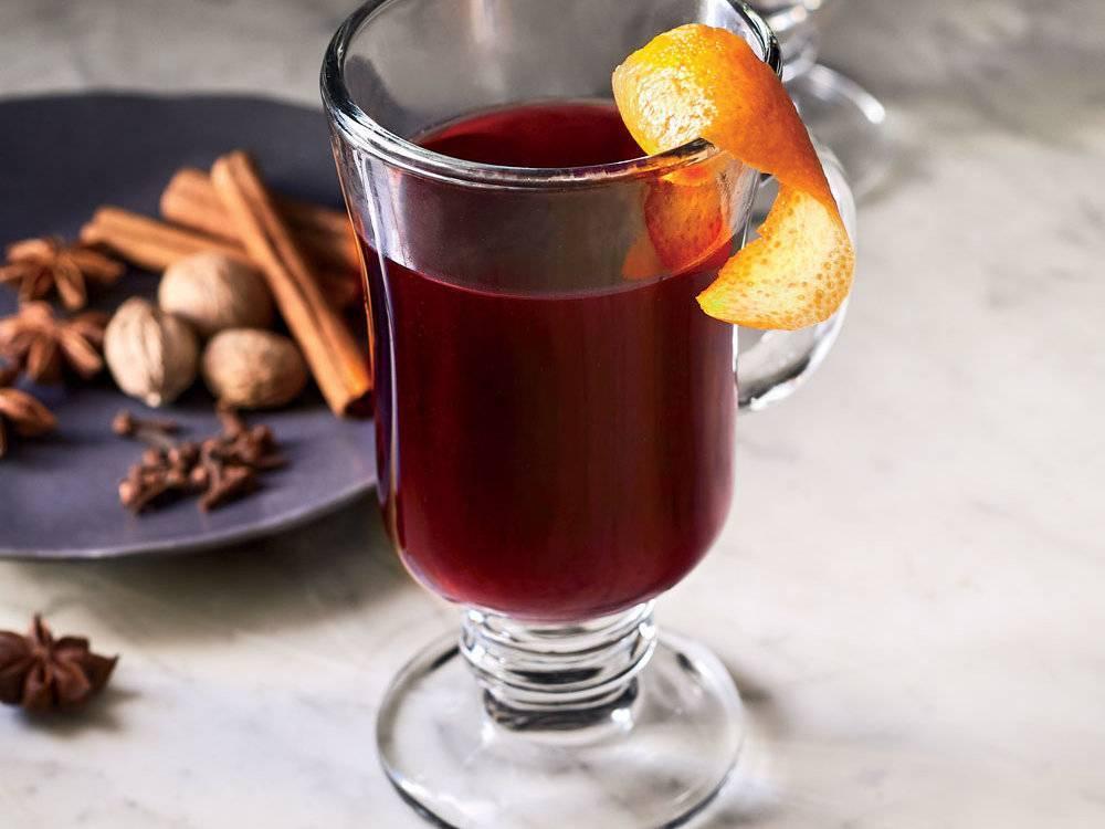 Глинтвейн из белого вина: рецепты, которые помогут пережить осень и зиму