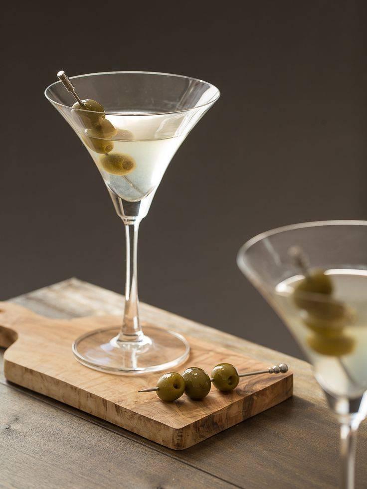 Мартини с оливкой: зачем кладут плод, какой лучше, почему не добавляют маслины, а также рецепты коктейлей, как делать с водкой и с джином, как правильно пить?   mosspravki.ru