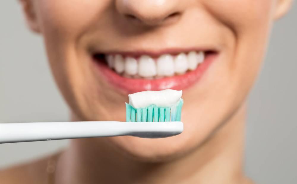 Можно ли курить после отбеливания зубов: чего нельзя делать?
