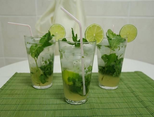 Алкогольный коктейль мохито – 3 рецепта приготовления напитка в домашних условиях