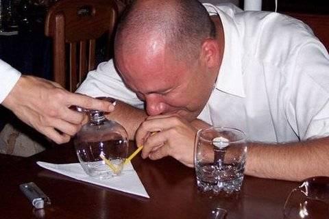 Как правильно пить самбуку?