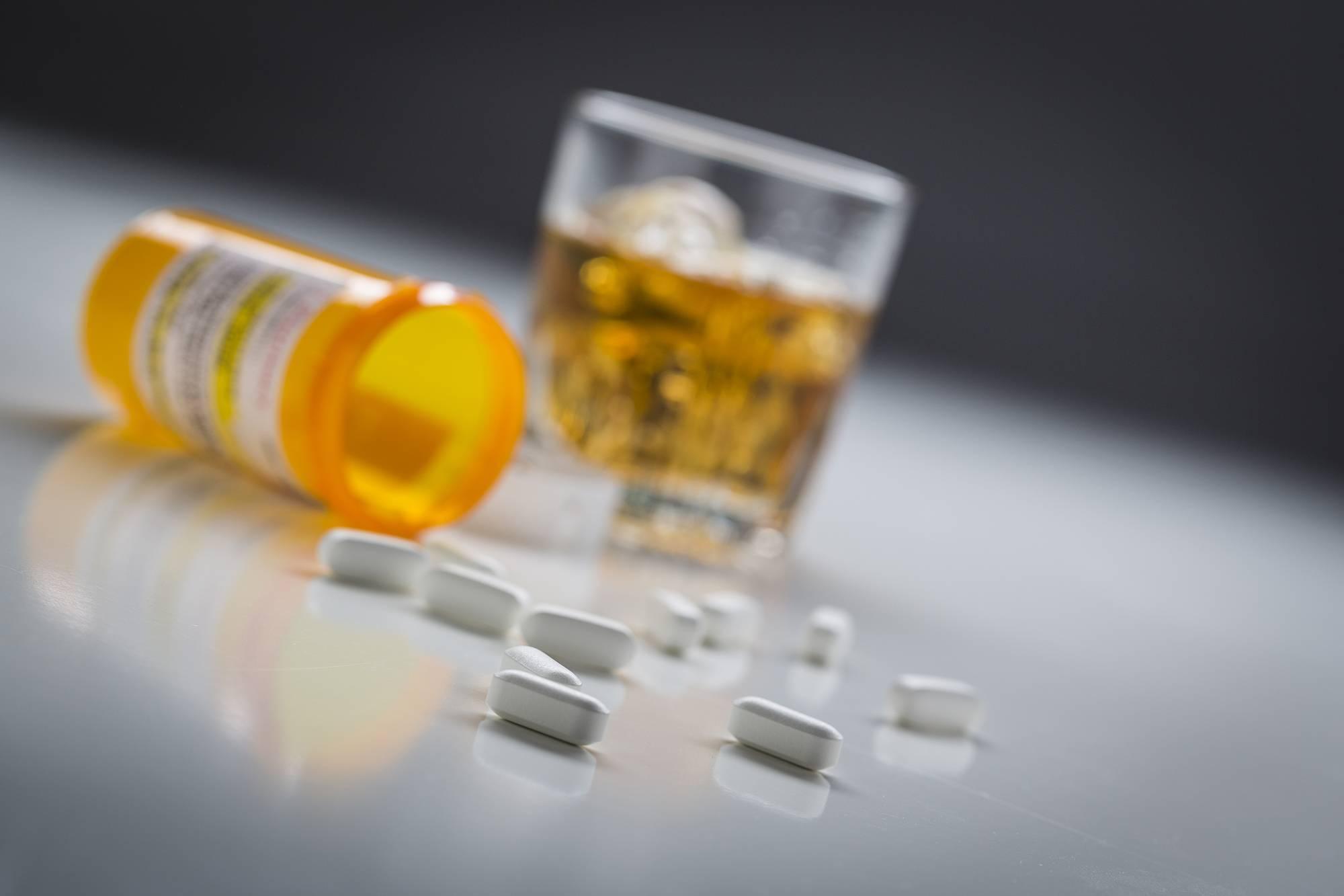 Насколько совместим линекс со спиртным?
