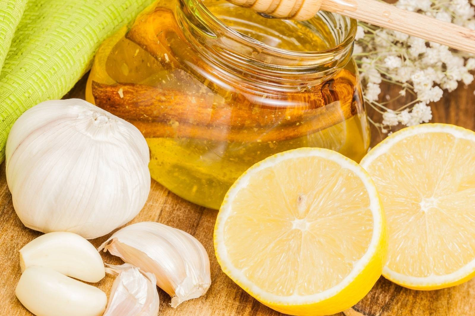 Лечение бабушкиными средствами: чистка сосудов чесноком