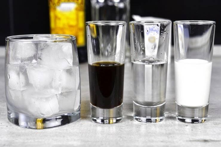 «белый русский» — коктейль классика