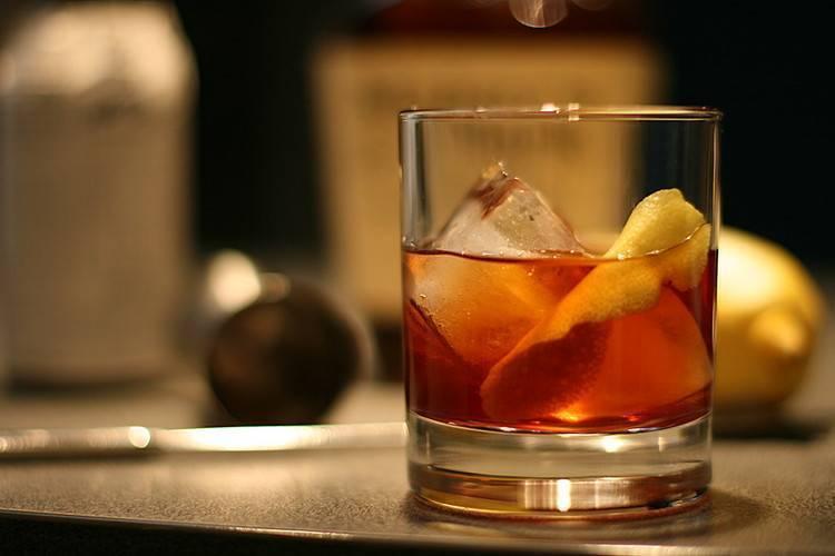 """Классический рецепт и состав приготовления коктейля """"олд фэшн"""""""