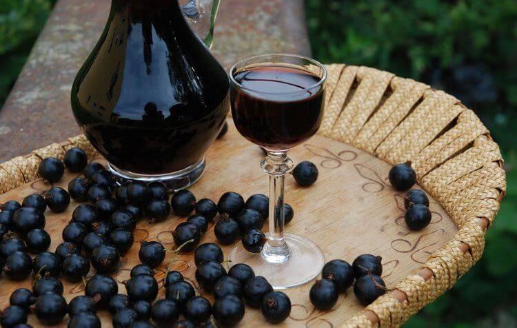 Вино натуральное домашнее