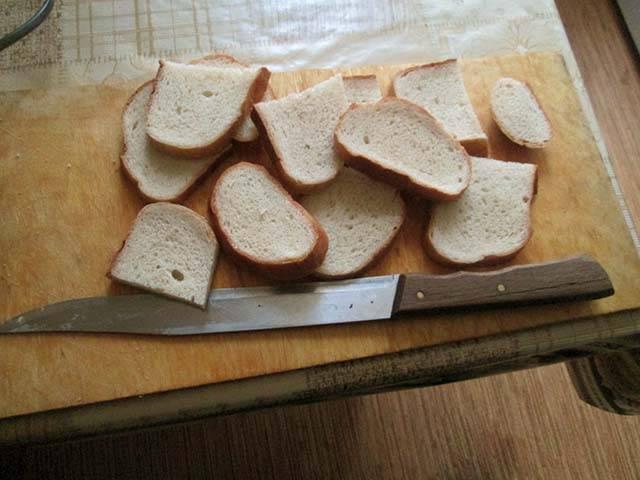 Гренки из белого хлеба – 7 рецептов, как сделать вкусные гренки в духовке и на сковороде