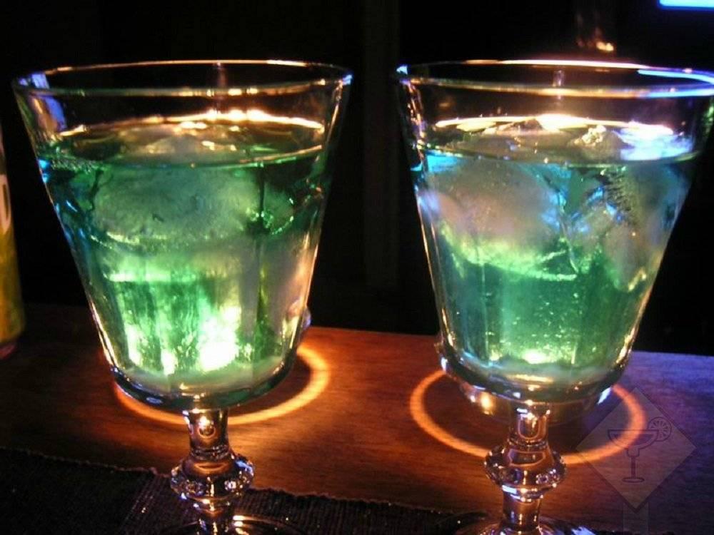 Культура питья абсента: как и с чем правильно пить