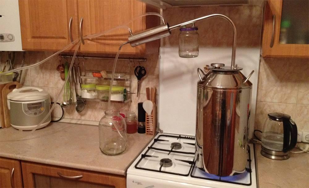Самогон без аппарата: пять вариантов изготовления напитка