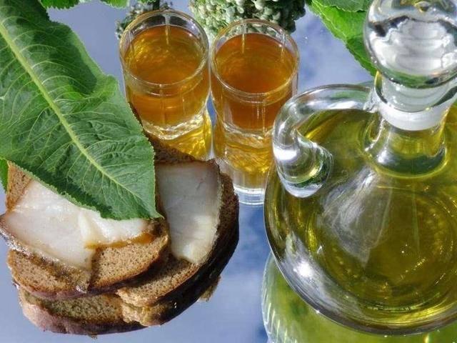 Водка с мёдом целебное средство от простуды