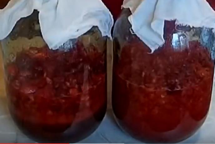 Клубничное вино: простой рецепт из клубники в домашних условиях