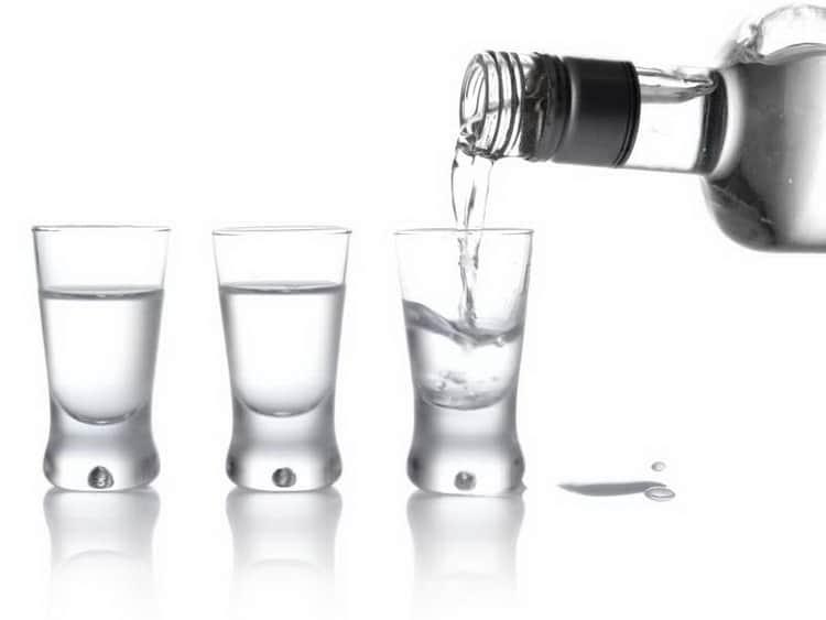 Чем отличается спирт «альфа» от спирта «люкс»? | в чем разница