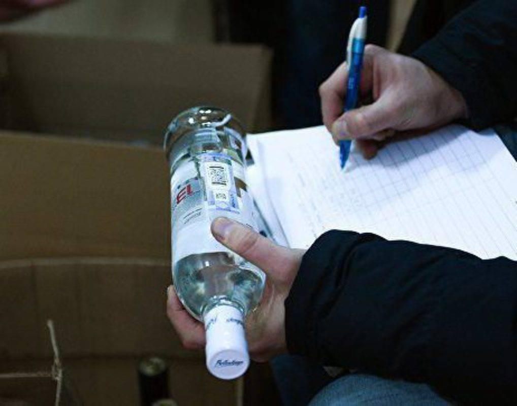Почему паленая водка опасна, как отличить контрафакт