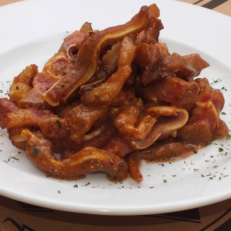 Свиные уши. рецепты приготовления по-корейски, в духовке, прессованные, в холодце. фото