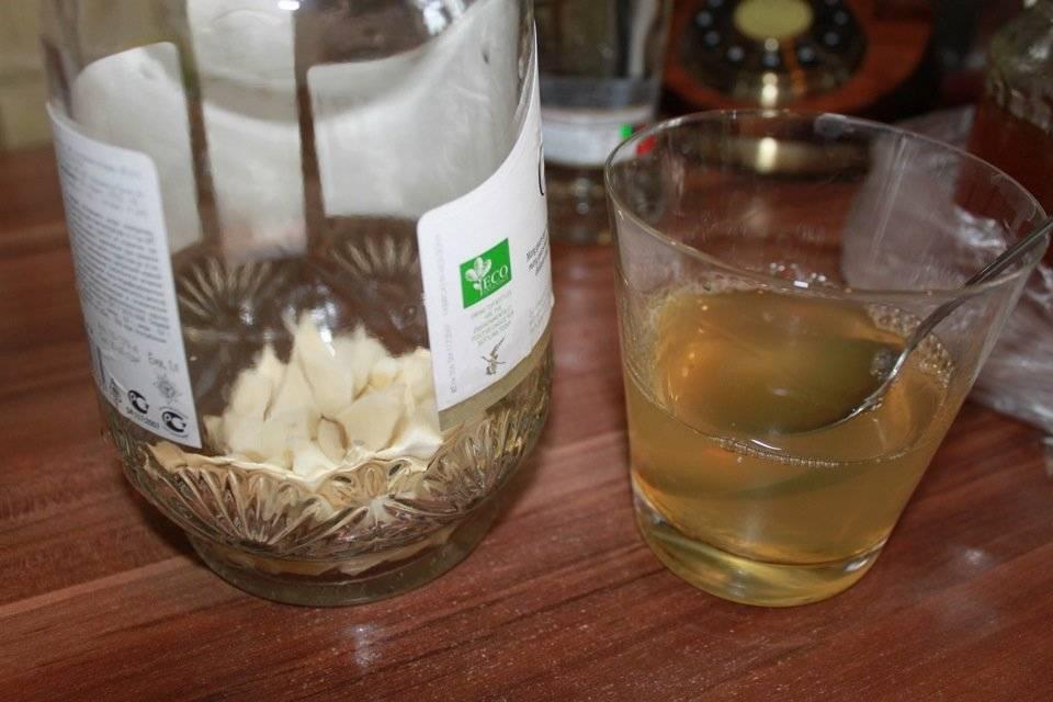 Рецепты хреновухи: классический, с имбирём, со специями и на листьях хрена.