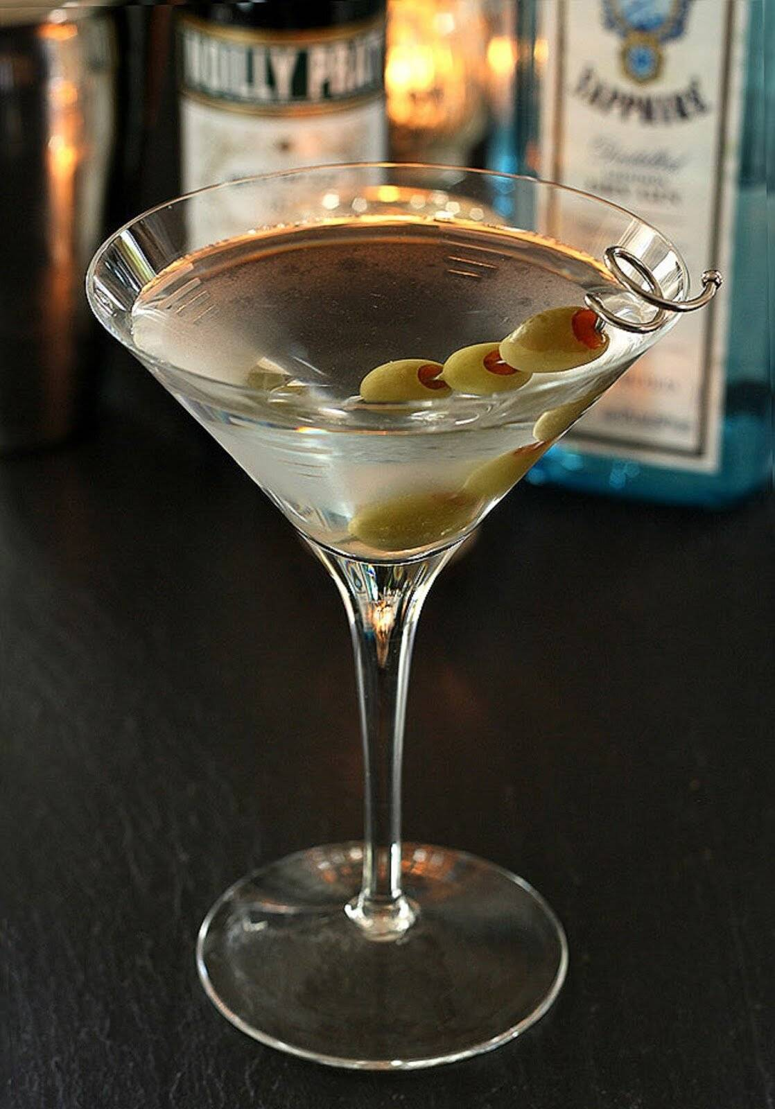 Зачем в мартини кладут оливку