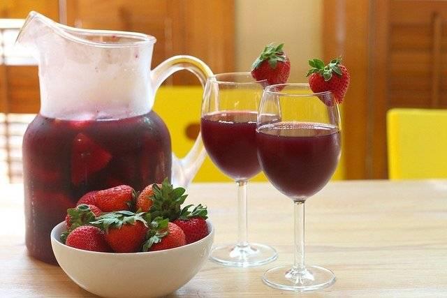 Клубничный ликер - самые вкусные рецепты домашнего алкоголя