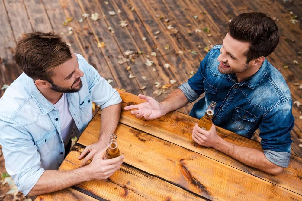 Как жить с алкоголиком в семье, что делать, если пьющий не хочет лечиться: советы психолога