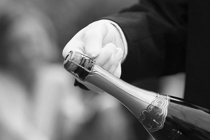 Как открывать шампанское – популярные способы