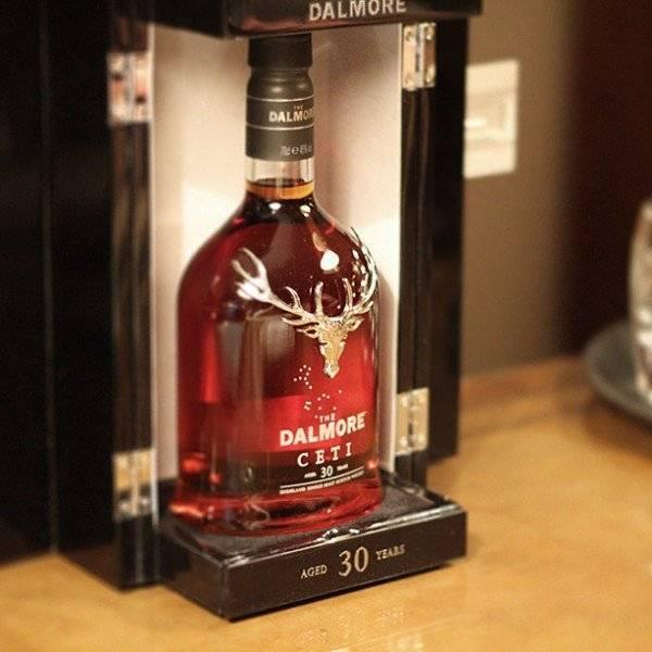 Что купить за 6,2 миллиона долларов: яхту или бутылку самого дорогого виски