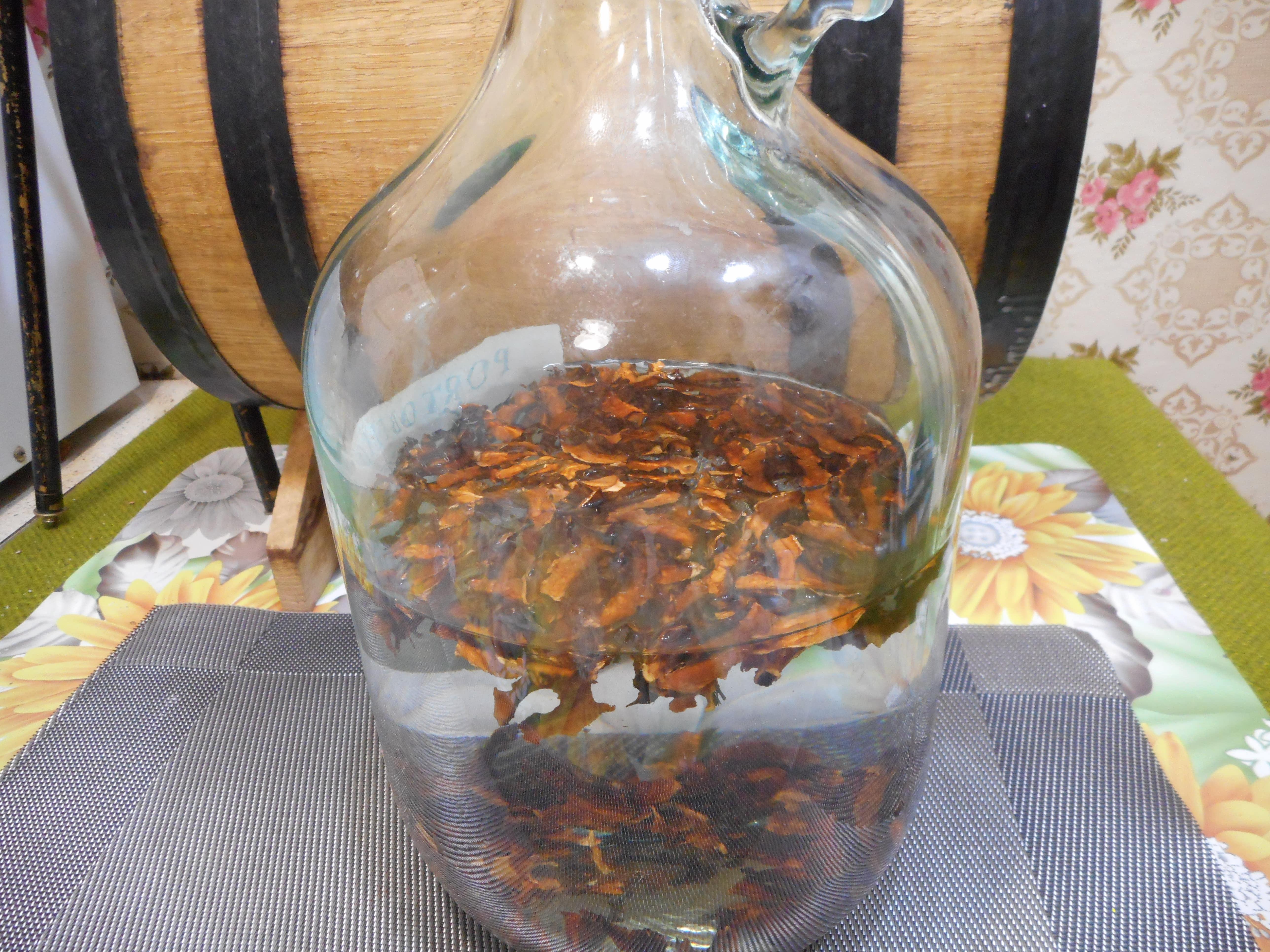 Способы приготовления настойки грецкого ореха - рецепты средств на водке, самогоне и т.д. для применения при различных проблемах