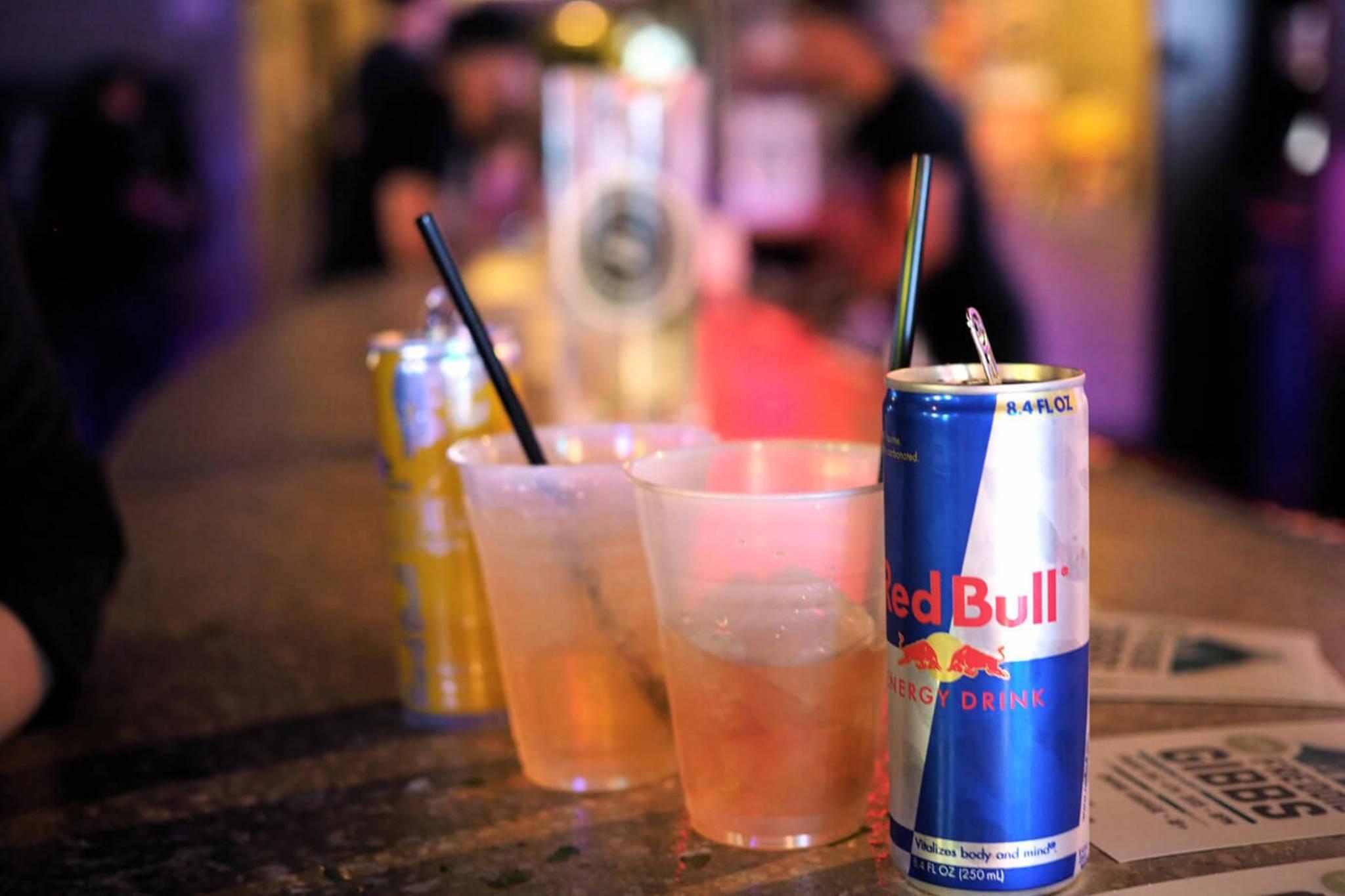 Водка с колой: как называется коктейль, пропорции, можно ли мешать алкоголь с пепси, последствия от употребления