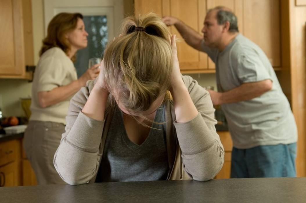Что сделать, если мама пьет без остановки? 3 совета психологов, консультации
