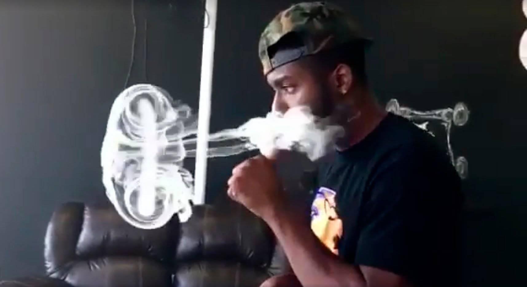 Трюки с кальянным дымом - как делать кольца из дыма. научиться пускать колечки, медузу, торнадо и другие фокусы из дыма кальяна