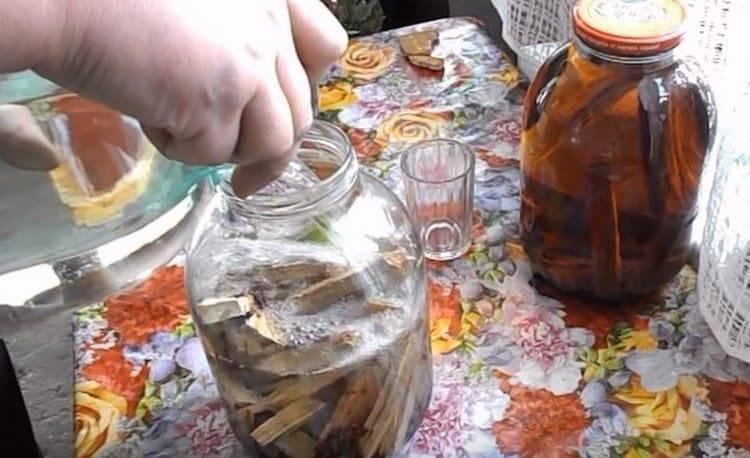 Лучшие рецепты приготовления напитков из самогона в домашних условиях