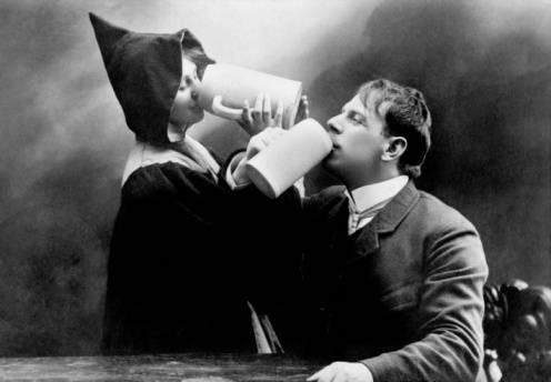 Как появилась эта традиция, пить на брудершафт, что это значит - все о суставах