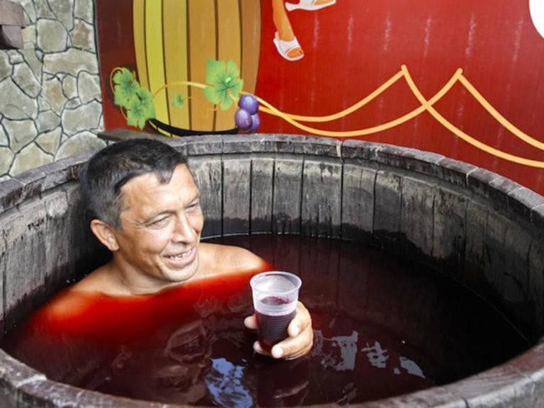 Лечение сухим красным и белым вином: полезные и целебные свойства этого напитка для здоровья человека