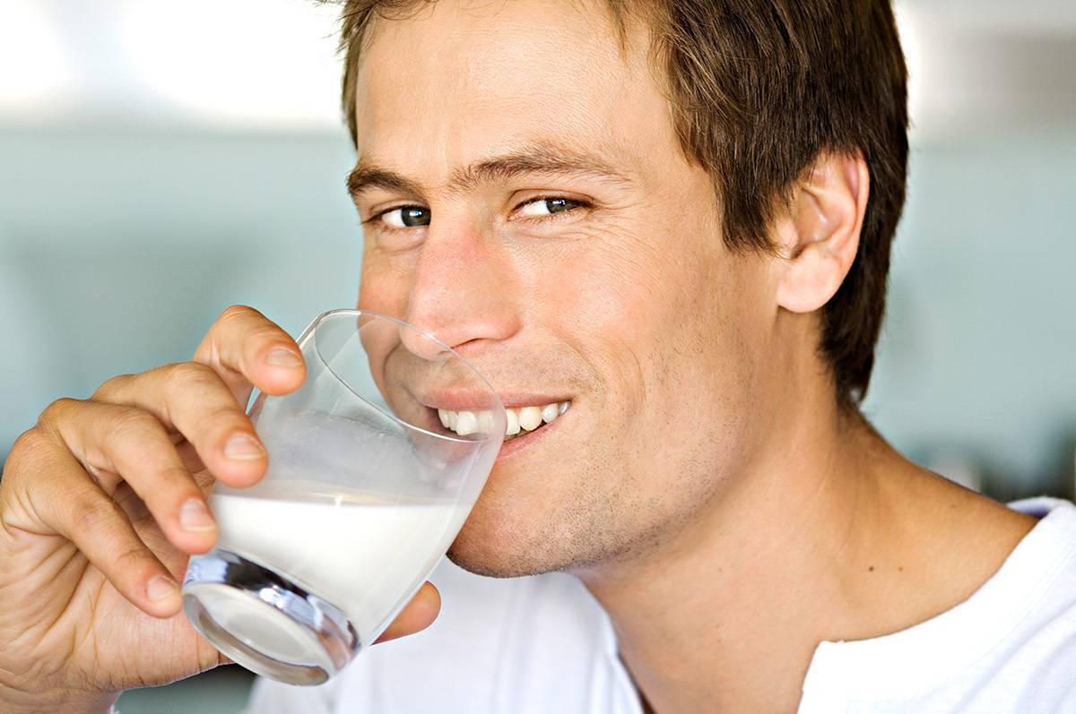 Молоко с похмелья помогает