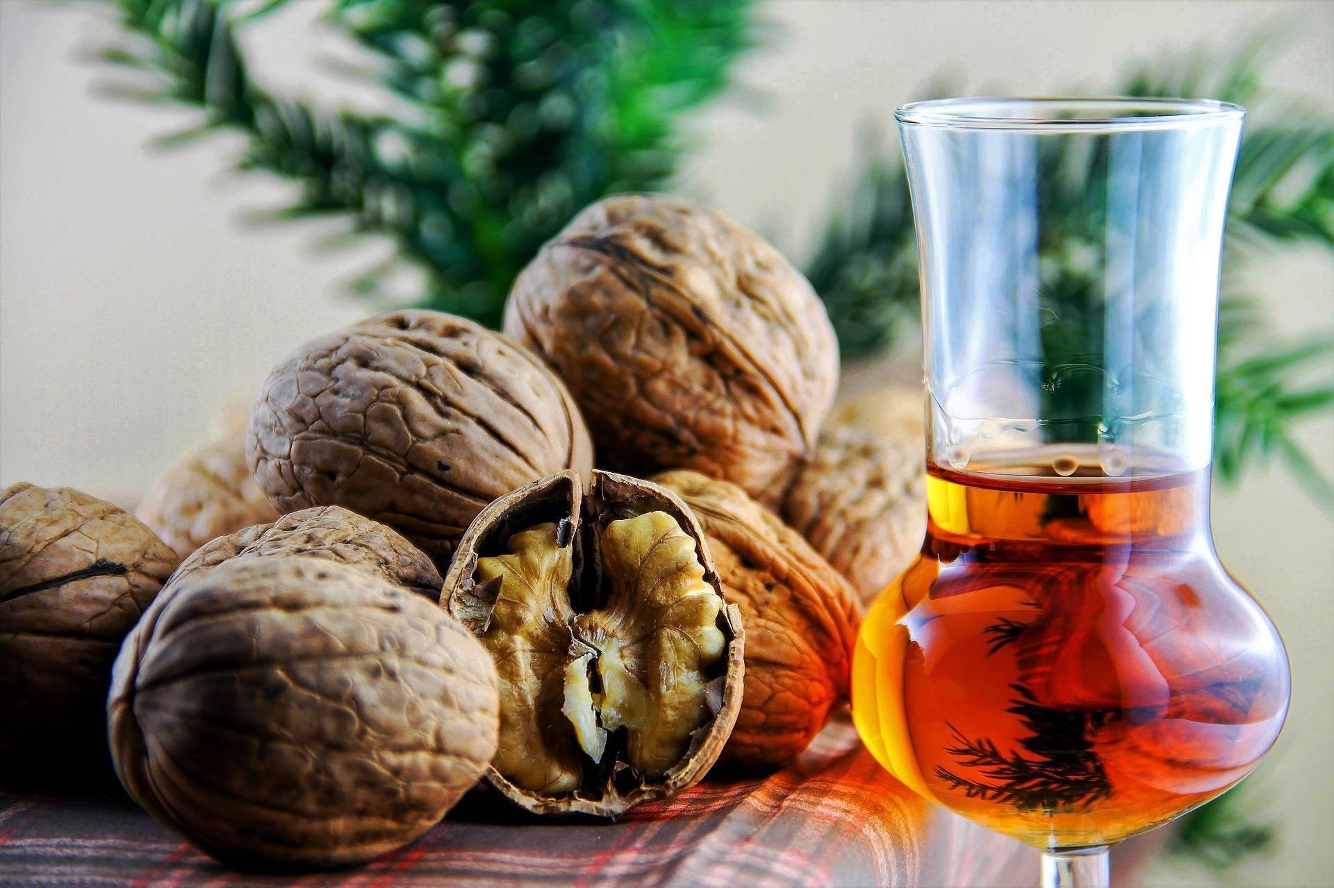 Лечебные свойства спиртовой настойки мускатного ореха. применение в народной медицине. вред и противопоказания, побочные действия
