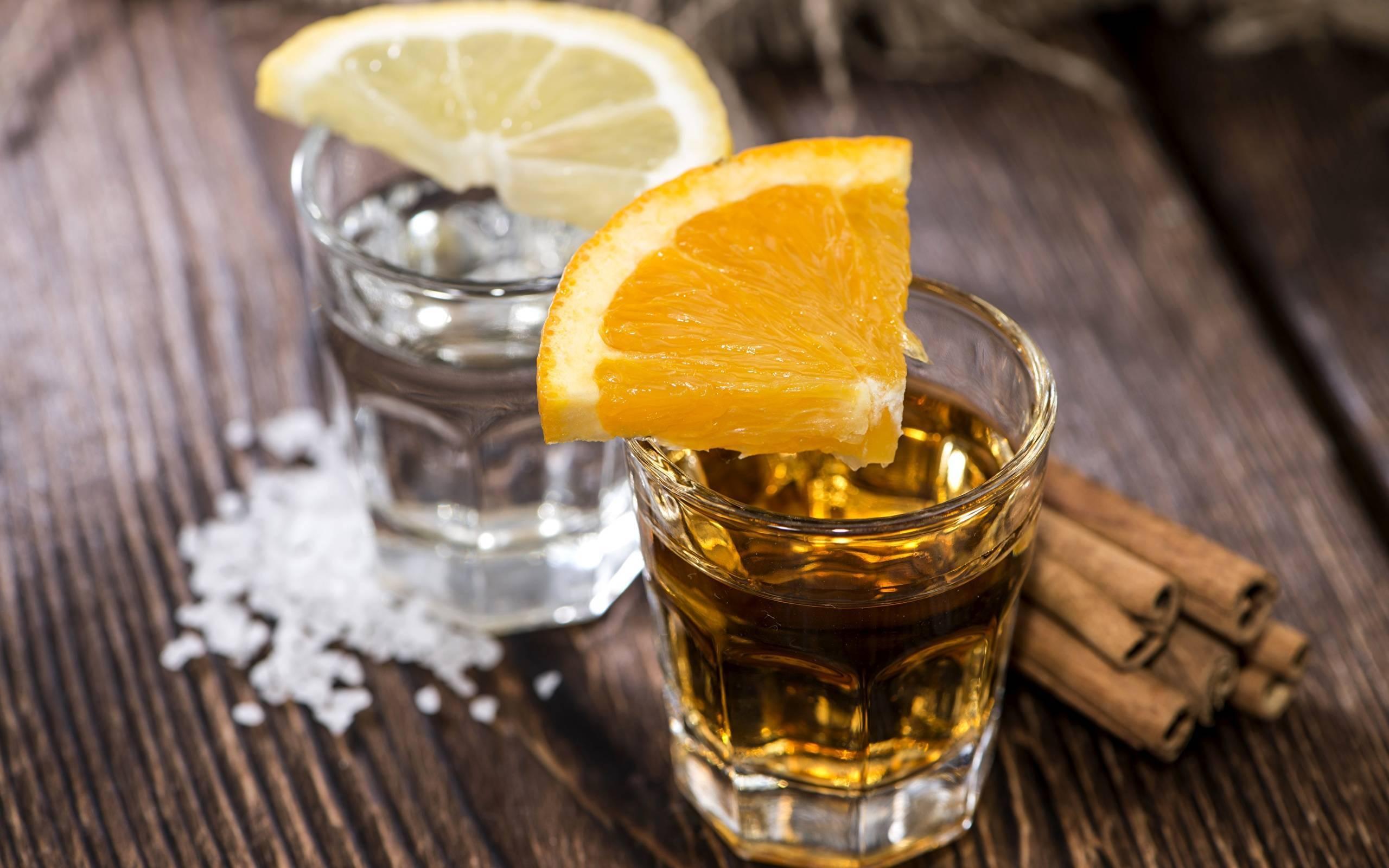 Как пить бренди правильно и чем закусывать, сделать коктейли?