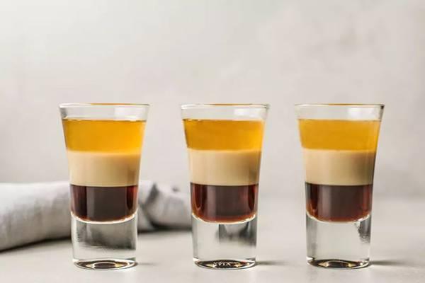 Лучшие коктейли с ликером: подборка рецептов – как правильно пить